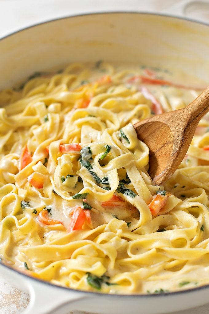 Tuscan chicken pasta recipe olive garden for Olive garden fettuccine alfredo recipe copycat