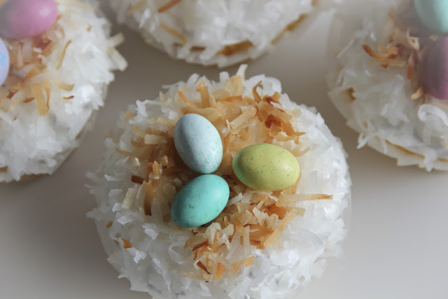Coconut Snowball Cupcakes - Life Made Simple