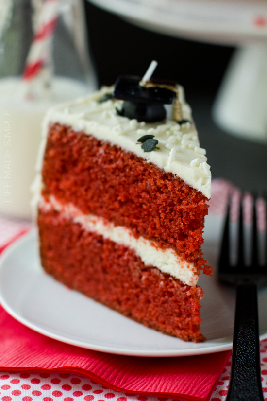 Red Velvet Cake with Vanilla Bean Cream Cheese Frosting - Life Made ...