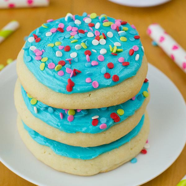 Lofthouse style jumbo sugar cookies life made simple forumfinder Images