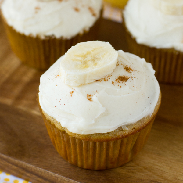 Banana Cupcakes with Cinnamon Cream Cheese Frosting - Life Made Simple
