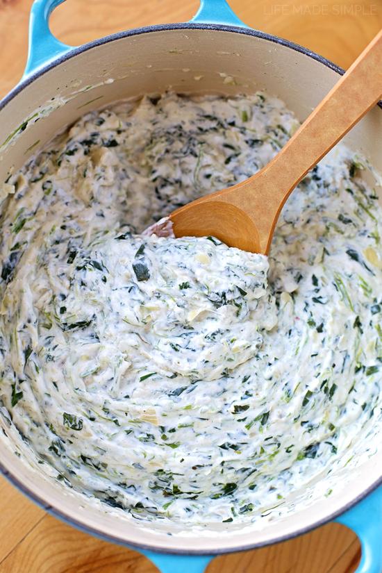15 Minute Skinny Spinach Artichoke Dip