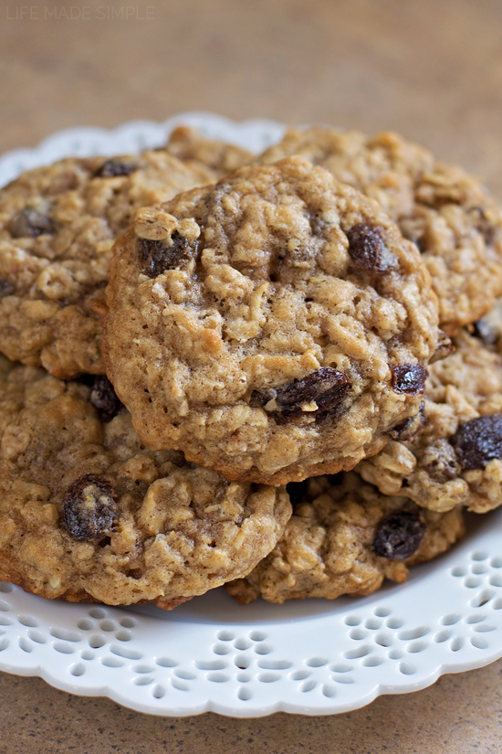 Soft n' Chewy Oatmeal Raisin Cookies
