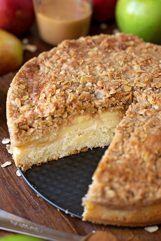 Simple Apple Crumb Cake Recipe