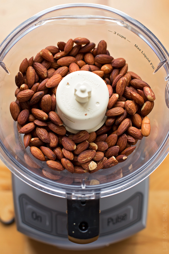 Almond Coconut Smoothie | lifemadesimplebakes.com