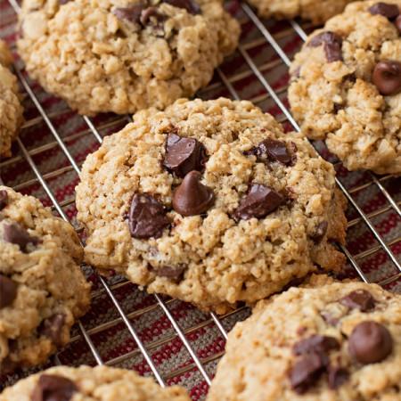 Flourless Oatmeal Chocolate Chip Cookies | lifemadesimplebakes.com