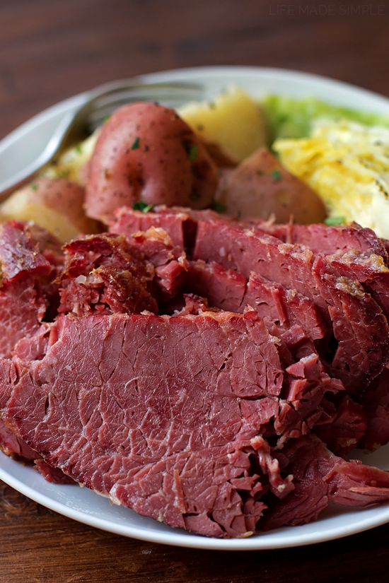 Corned Beef and Cabbage | lifemadesimplebakes.com