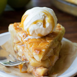 Classic Apple Pie | lifemadesimplebakes.com