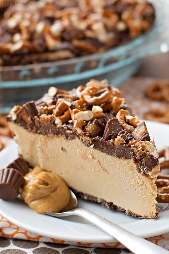 Frozen Peanut Butter Pretzel Pie | lifemadesimplebakes.com