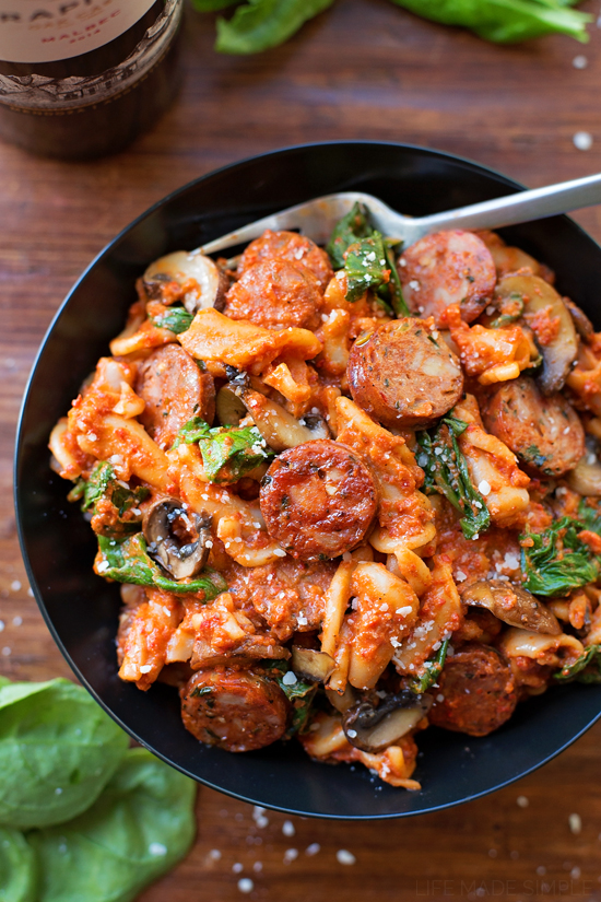 Sausage, Mushroom & Spinach Pasta with Red Pepper Sauce - Life Made ...