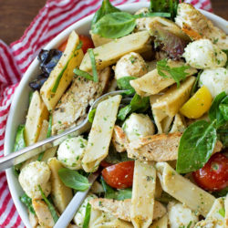Chicken Caprese Pasta Salad with Pesto Dressing | lifemadesimplebakes.com