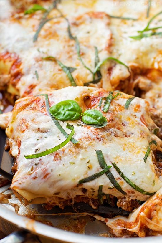 45 Minute Skillet Lasagna | lifemadesimplebakes.com