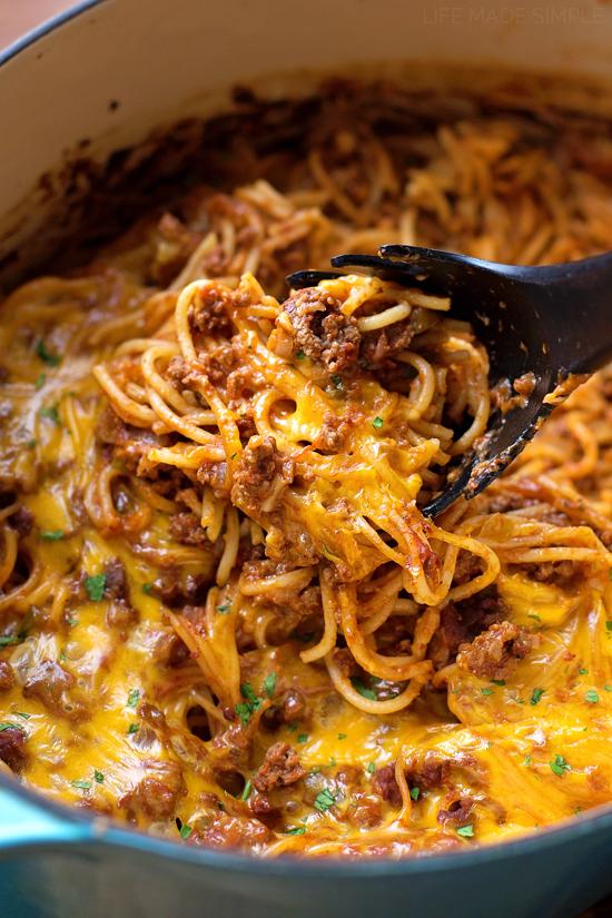 Stuffed Pepper Spaghetti Bake | lifemadesimplebakes.com