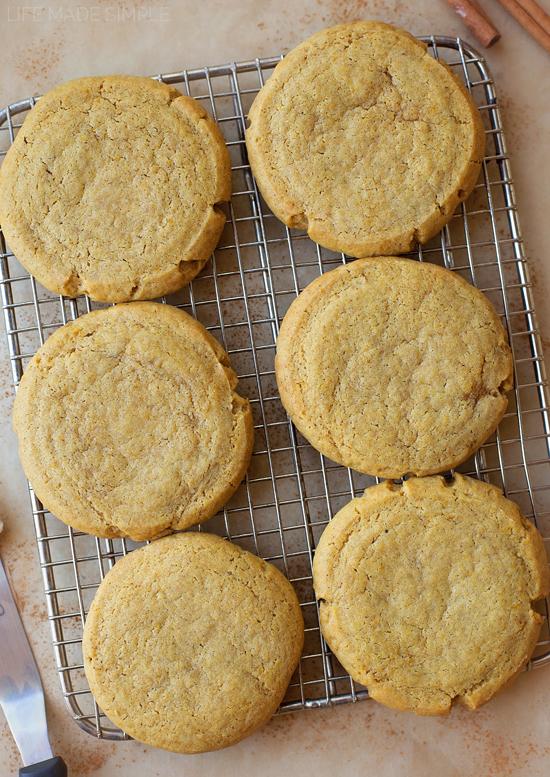 Pumpkin Lofthouse Cookies | lifemadesimplebakes.com