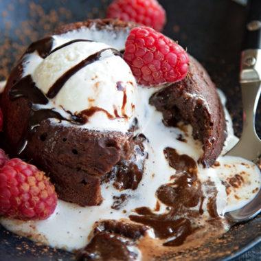 Chocolate Molten Lava Cakes   lifemadesimplebakes.com