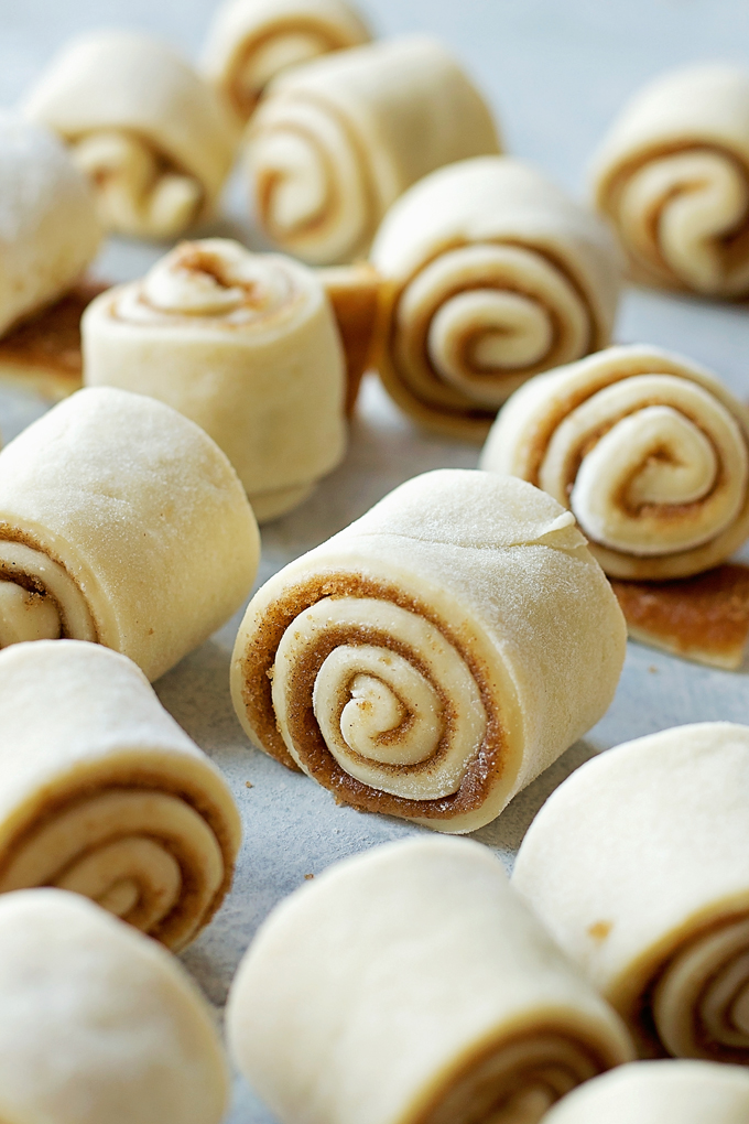 Mini Cinnamon Rolls with Cream Cheese Frosting - just roll them up!