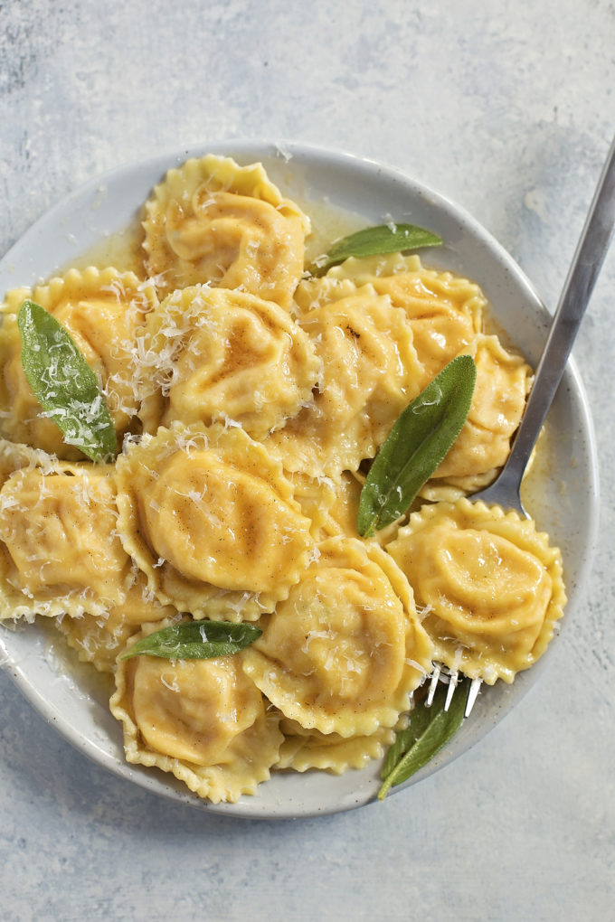 Butternut Squash Ravioli with Browned Butter Vanilla Bean Sauce | lifemadesimplebakes.com