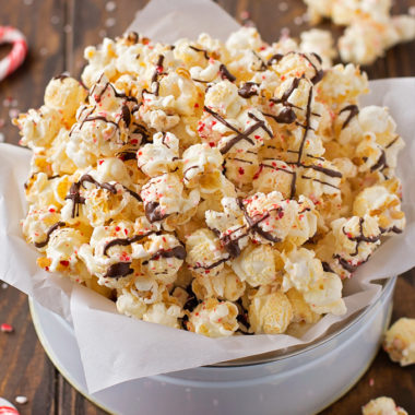 White Chocolate Peppermint Popcorn | lifemadesimplebakes.com