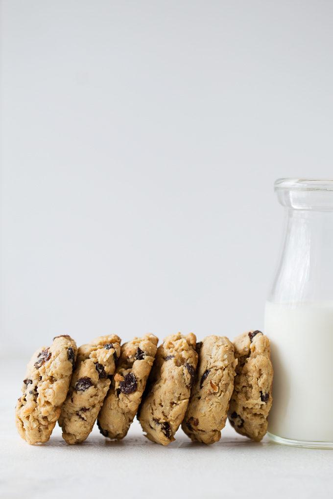 Coconut Oil Oatmeal Raisin Cookies | lifemadesimplebakes.com