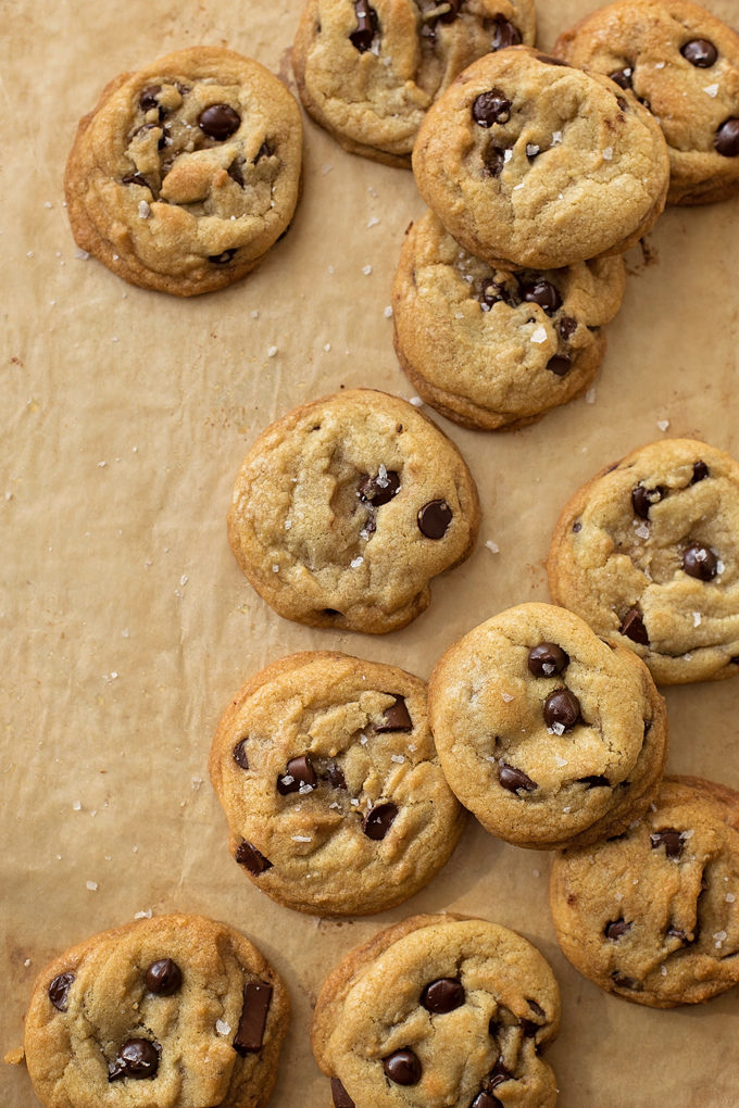 Coconut Oil Chocolate Chip Cookies | lifemadesimplebakes.com