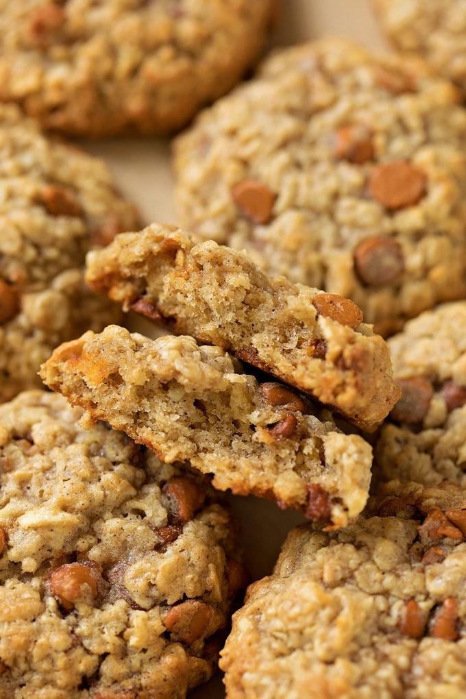 The inside of an apple cinnamon oatmeal cookies. | lifemadesimplebakes.com