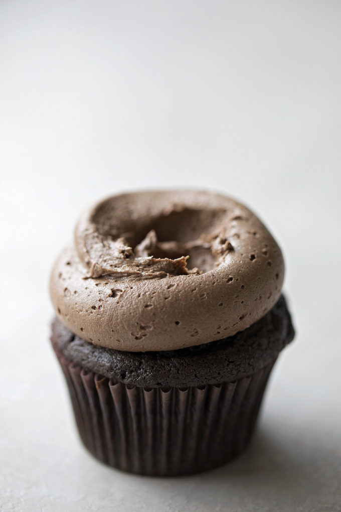 How to pipe the frosting for malted chocolate nest cupcakes.