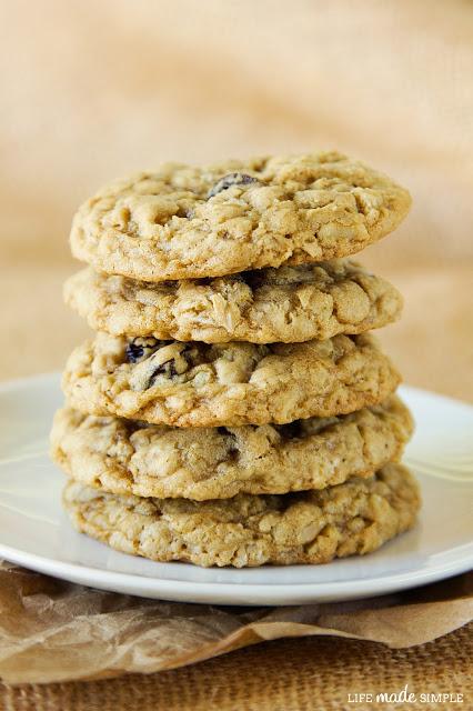 Raisin Walnut Oatmeal Cookies